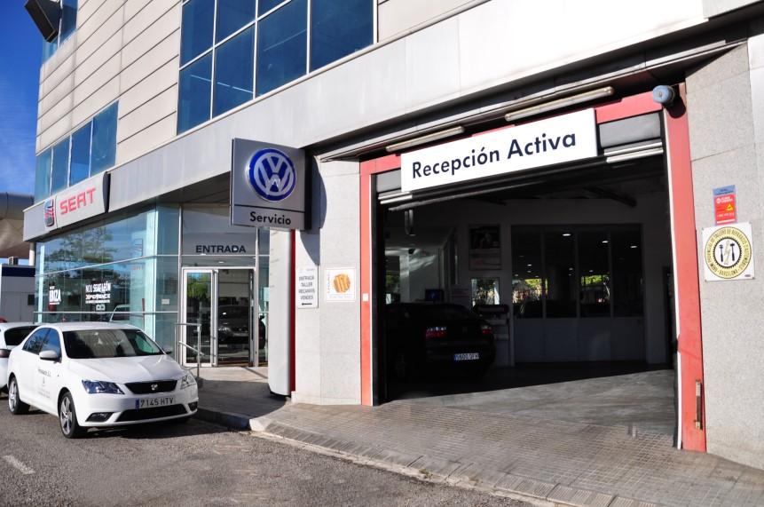 Entrada taller Fecosauto SEAT y Volkswagen