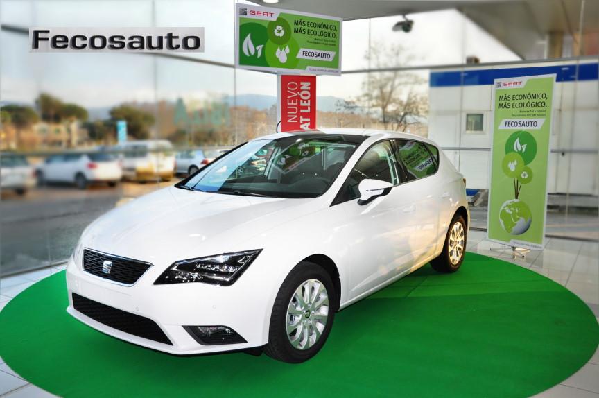 Coche SEAT León TGI en Mollet del Vallès, Barcelona, a gas natural comprimido en Fecosauto dando Gas … de GNC.