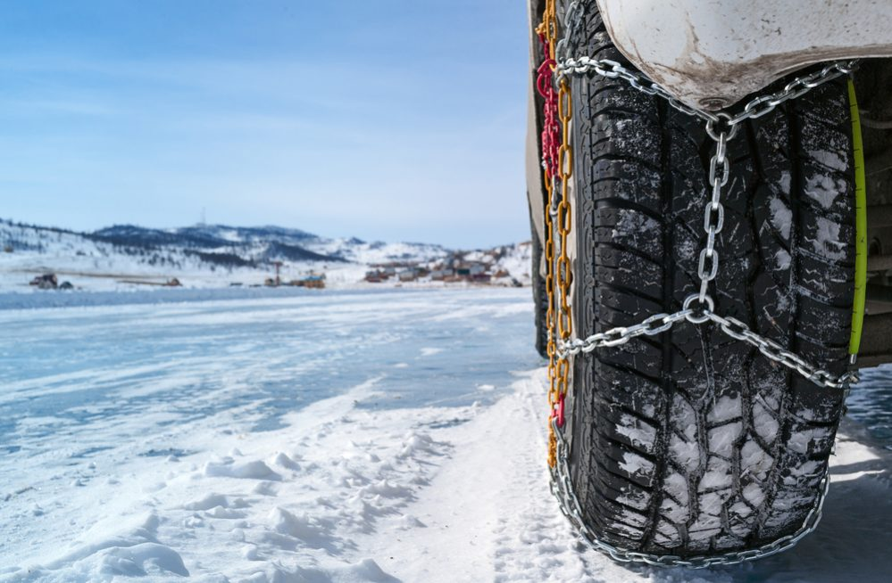 Colocar las cadenas de nieve a tu coche de forma fácil en 6 pasos
