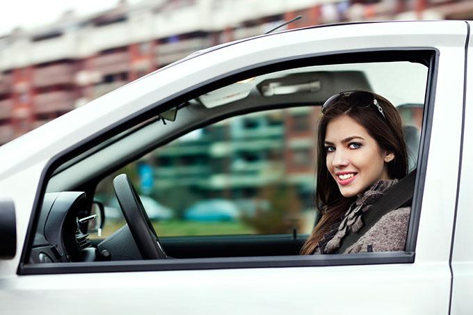 Consejos prácticos para una conducción más eficiente en ciudad